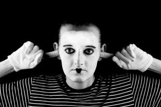 mime-no-hear